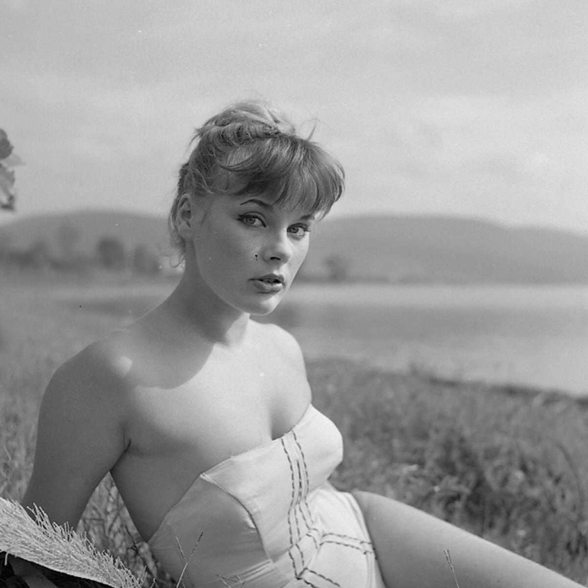 Elke Sommer Nude Photos 97